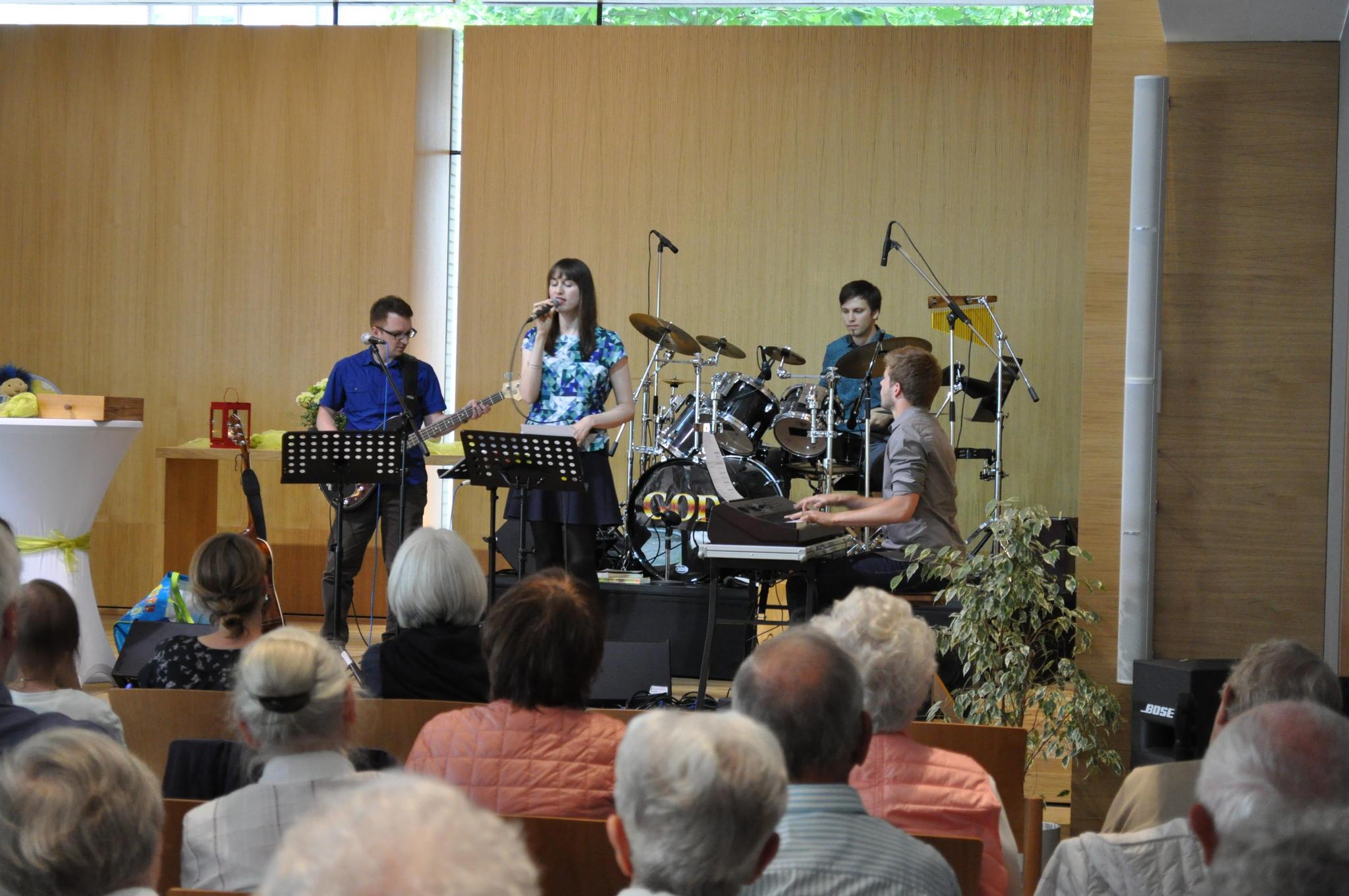 Die Band crEDENce spielte noch einmal in ihrer ursprünglichen Besetzung