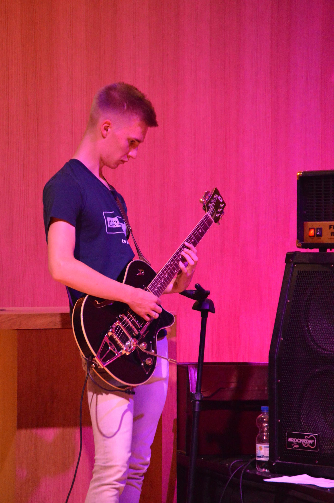Der E-Gitarrist